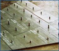 Stud trên tấm Chromium Carbide